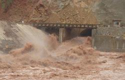 某电站发洪水