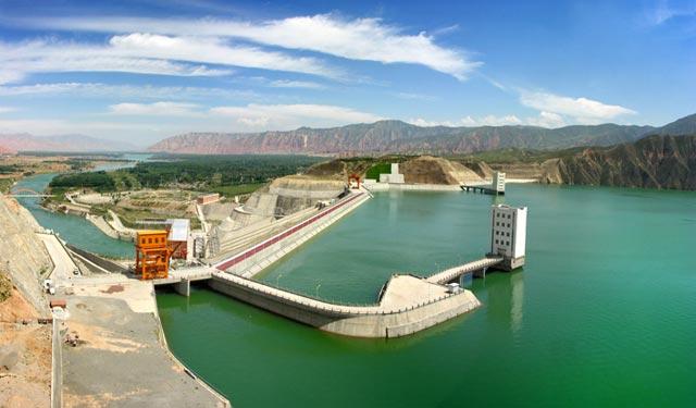 石坝施工技术--公伯峡大坝施工实践