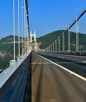 热点:全球最长悬索桥是如何建成的?