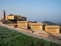 宋香园集装箱悬崖餐厅设计